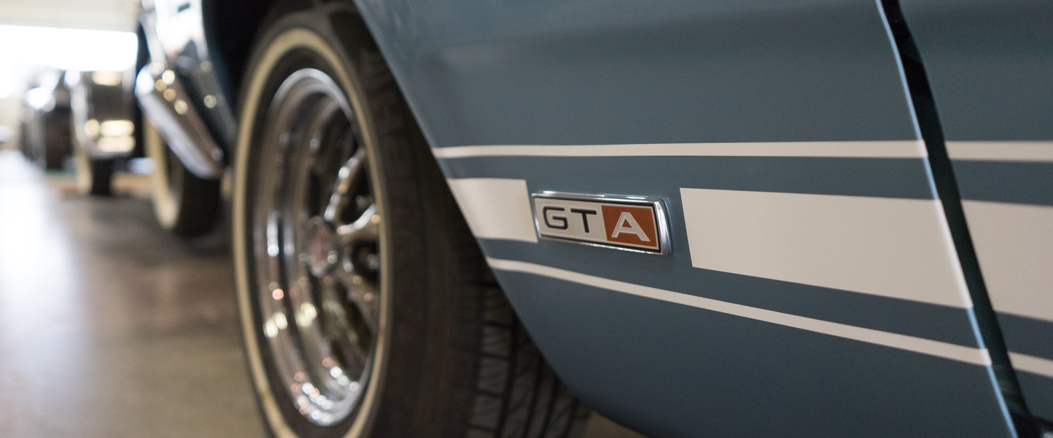 1967-Ford-Fairlane-GTA-Blue-slideshow-003.jpg