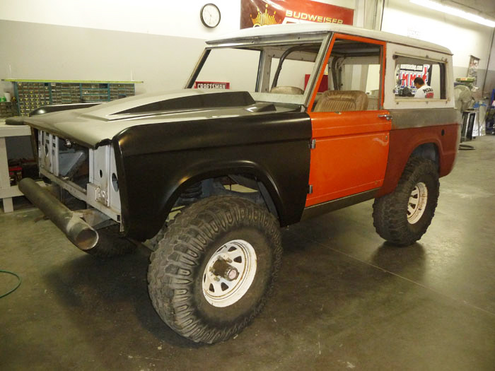 1968-Ford-Bronco-Custom-slideshow-001.jpg