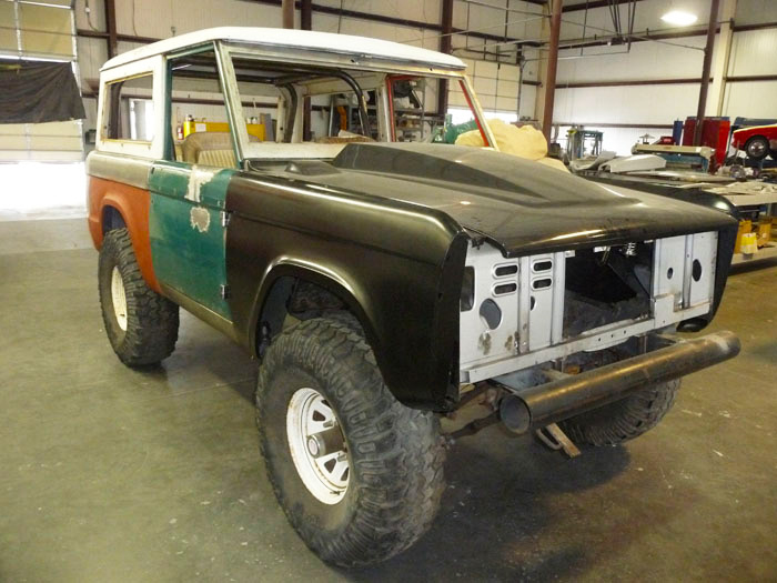1968-Ford-Bronco-Custom-slideshow-002.jpg