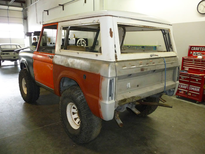 1968-Ford-Bronco-Custom-slideshow-003.jpg