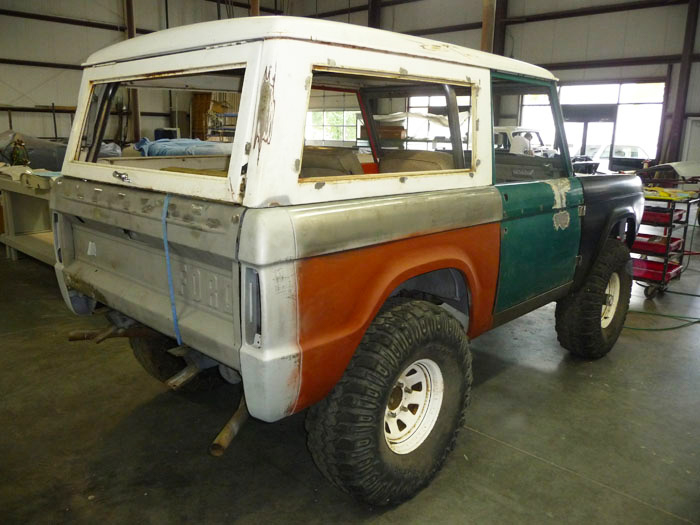 1968-Ford-Bronco-Custom-slideshow-004.jpg