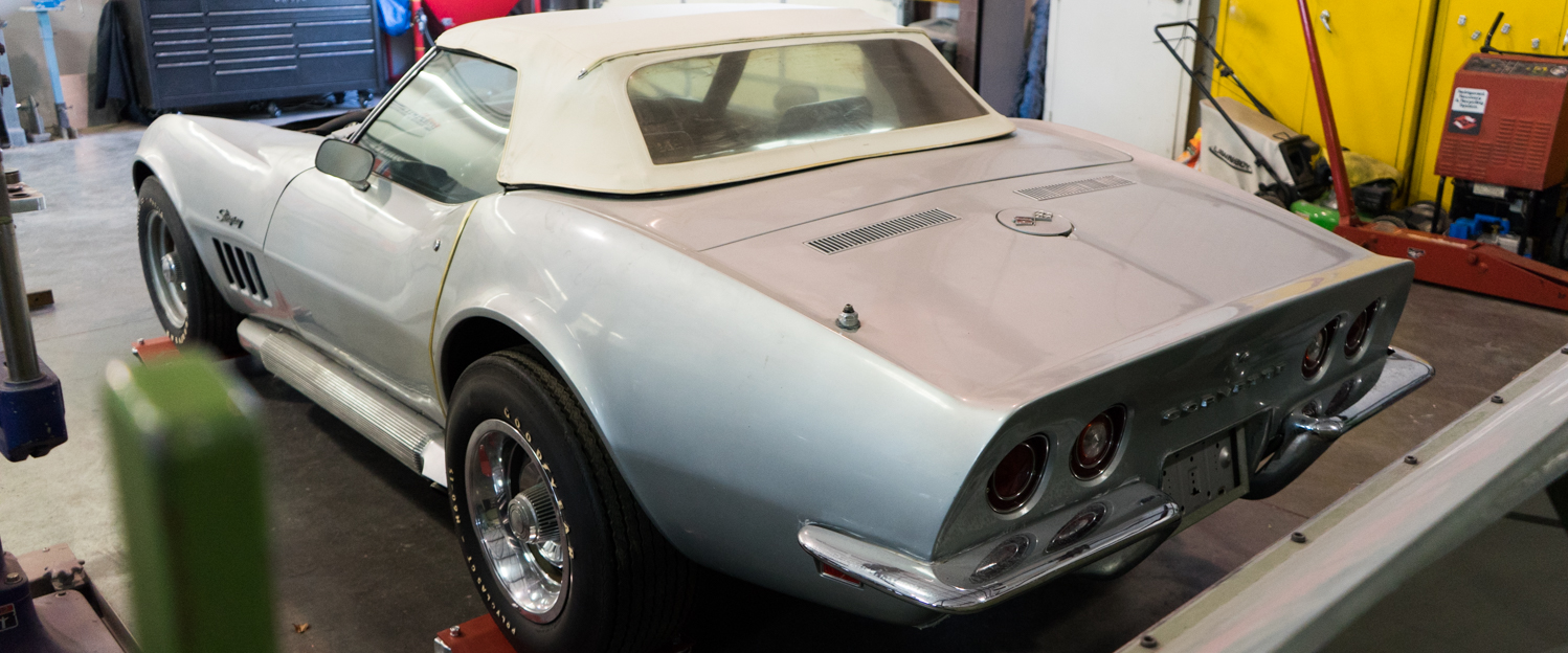 1969-Chevrolet-Corvette-427-Silver-slideshow-004.jpg