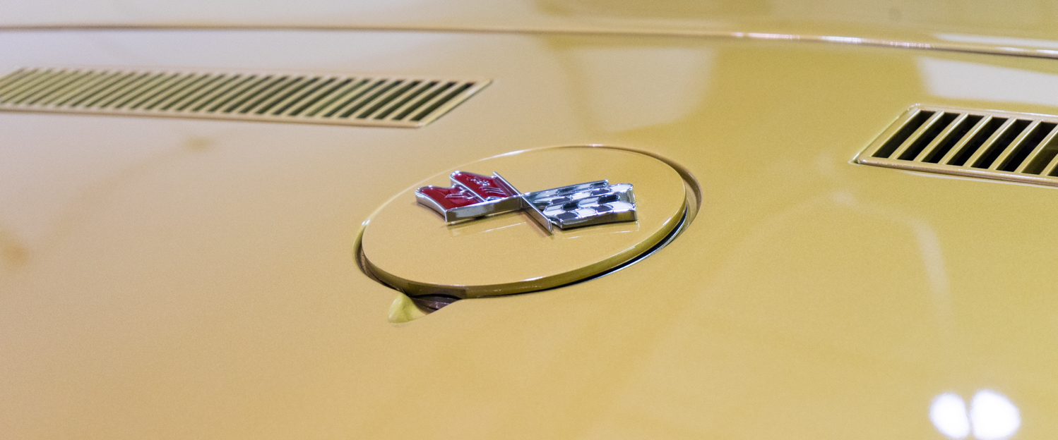 1969-Chevrolet-Corvette-Gold-slideshow-005.jpg
