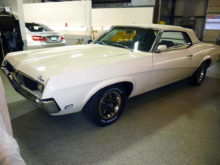 1969-Mercury-Cougar-XR7-White-slideshow-019.jpg