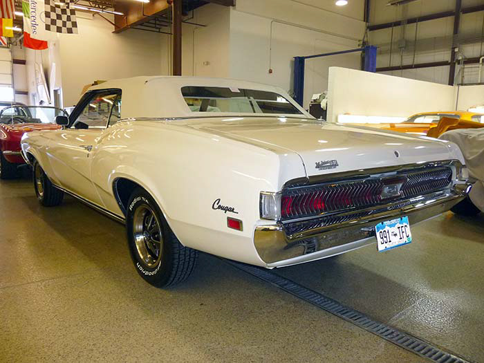 1969-Mercury-Cougar-XR7-White-slideshow-023.jpg