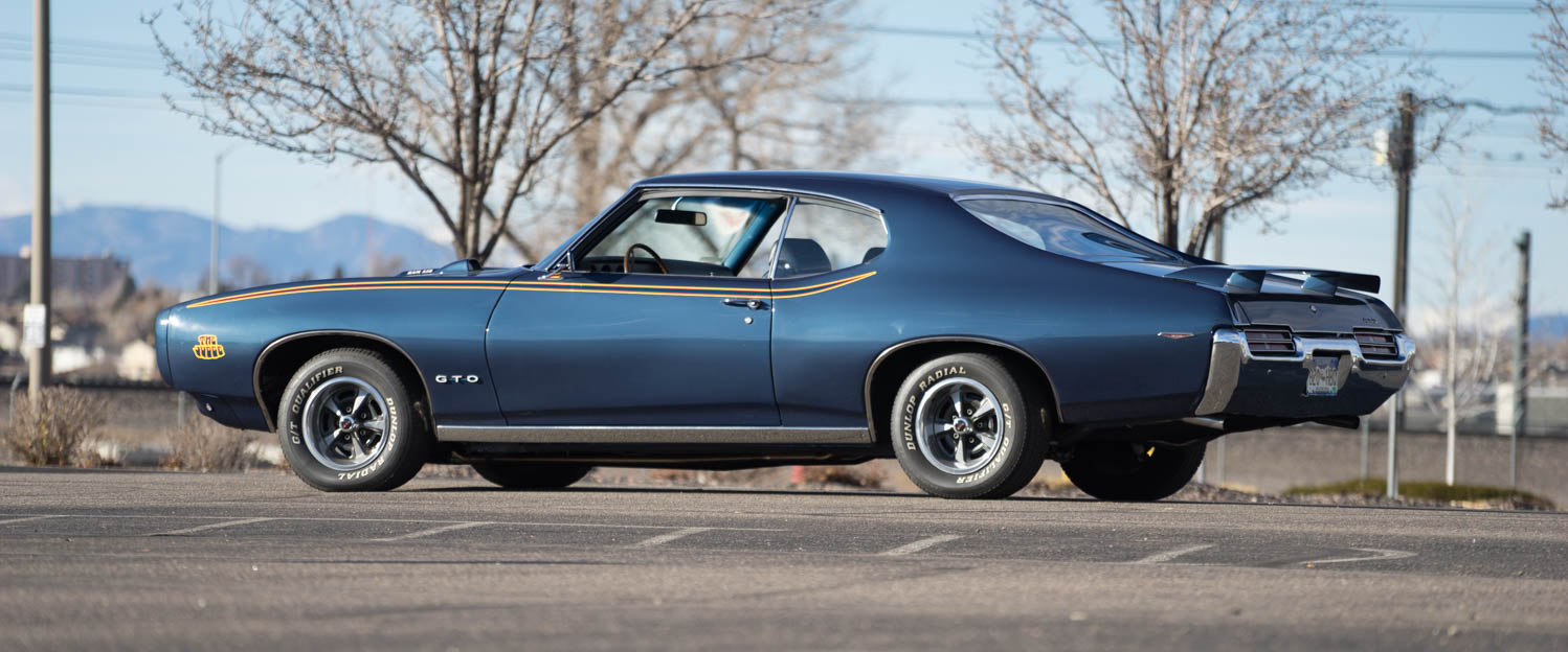 1969-Pontiac-GTO-Judge-Blue-slideshow-001.jpg