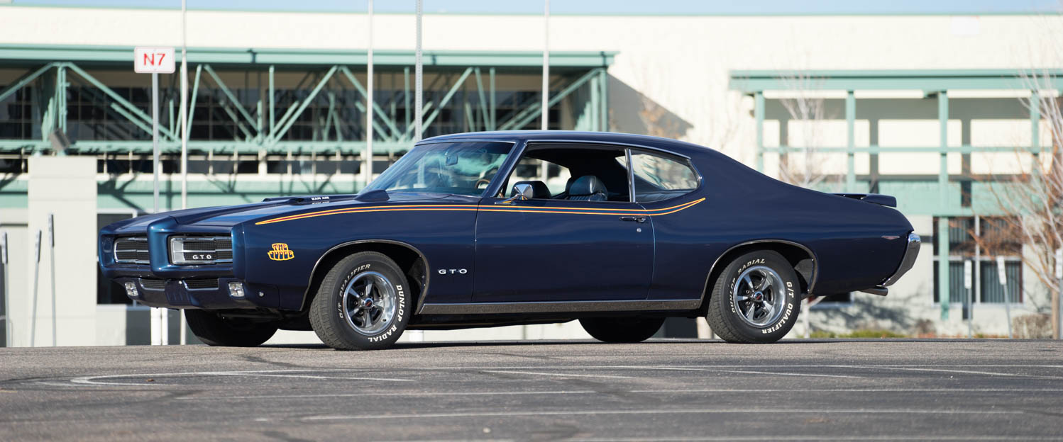 1969-Pontiac-GTO-Judge-Blue-slideshow-003.jpg