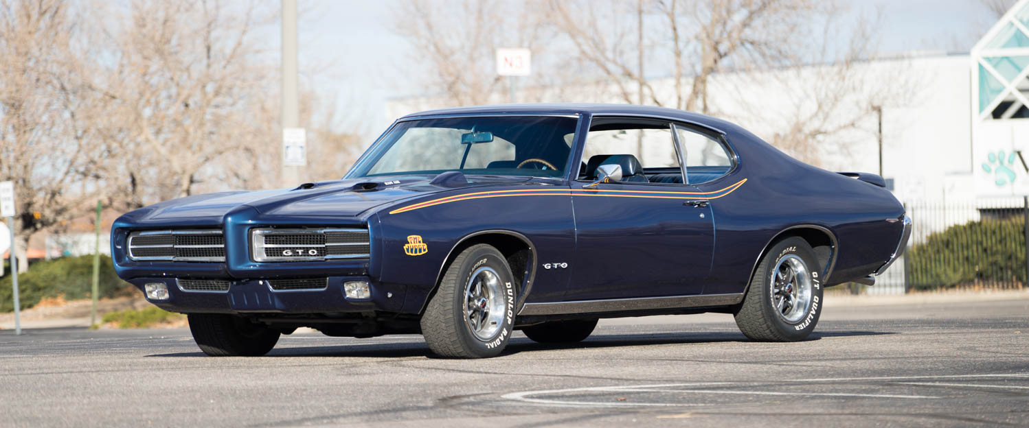 1969-Pontiac-GTO-Judge-Blue-slideshow-004.jpg