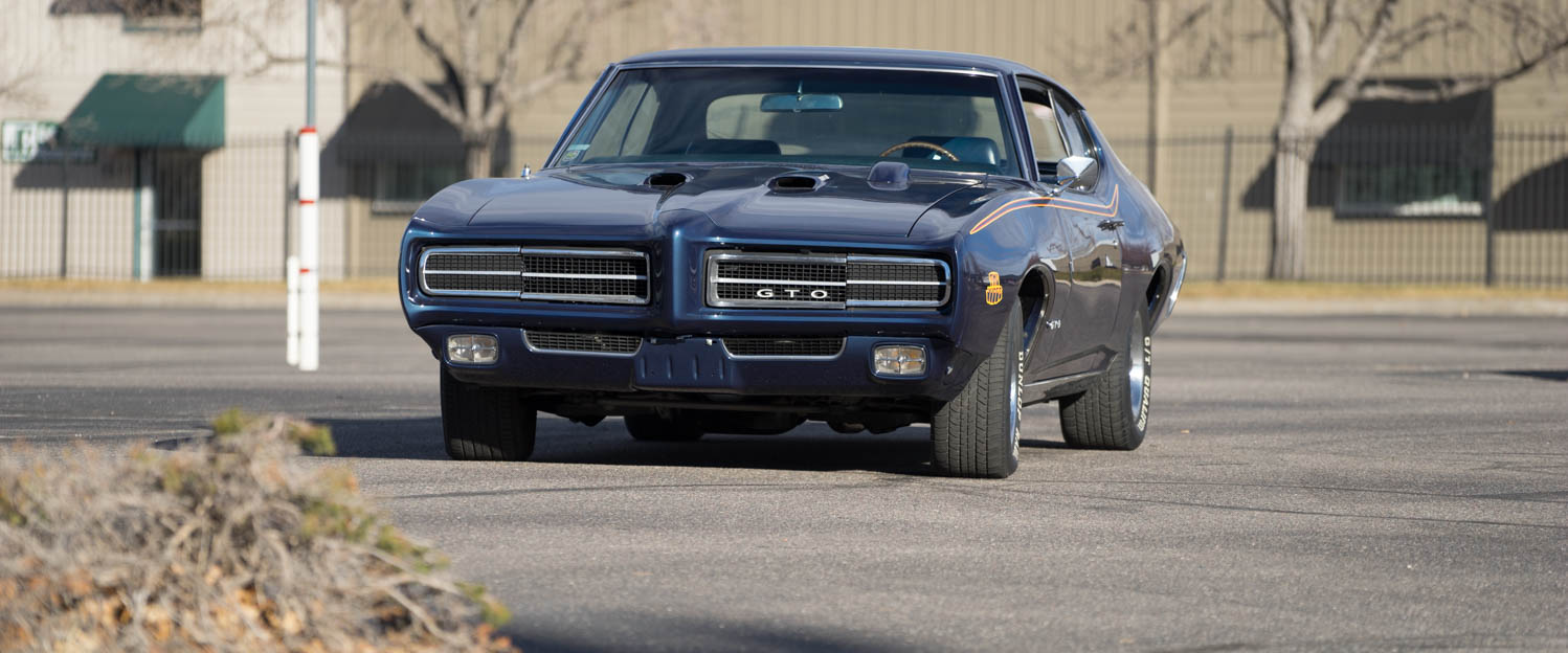 1969-Pontiac-GTO-Judge-Blue-slideshow-005.jpg