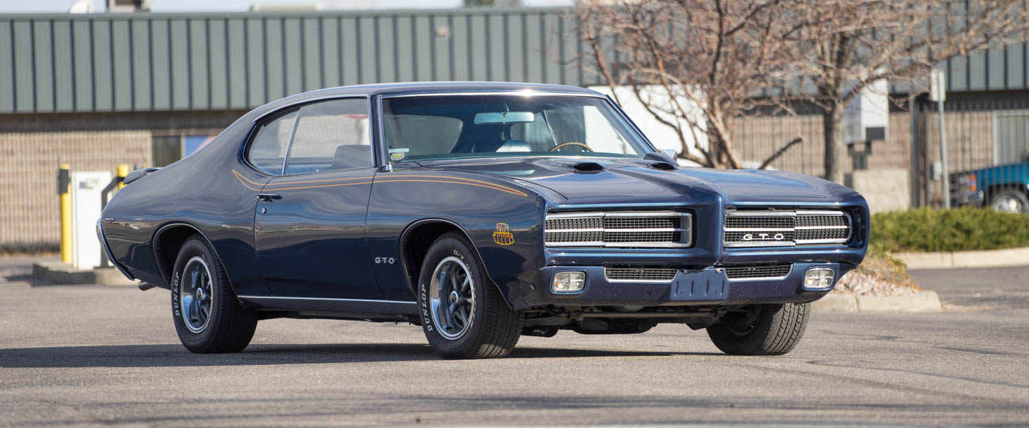 1969-Pontiac-GTO-Judge-Blue-slideshow-006.jpg