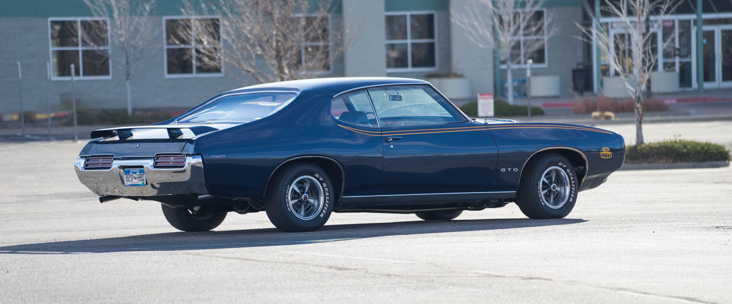 1969-Pontiac-GTO-Judge-Blue-slideshow-009.jpg