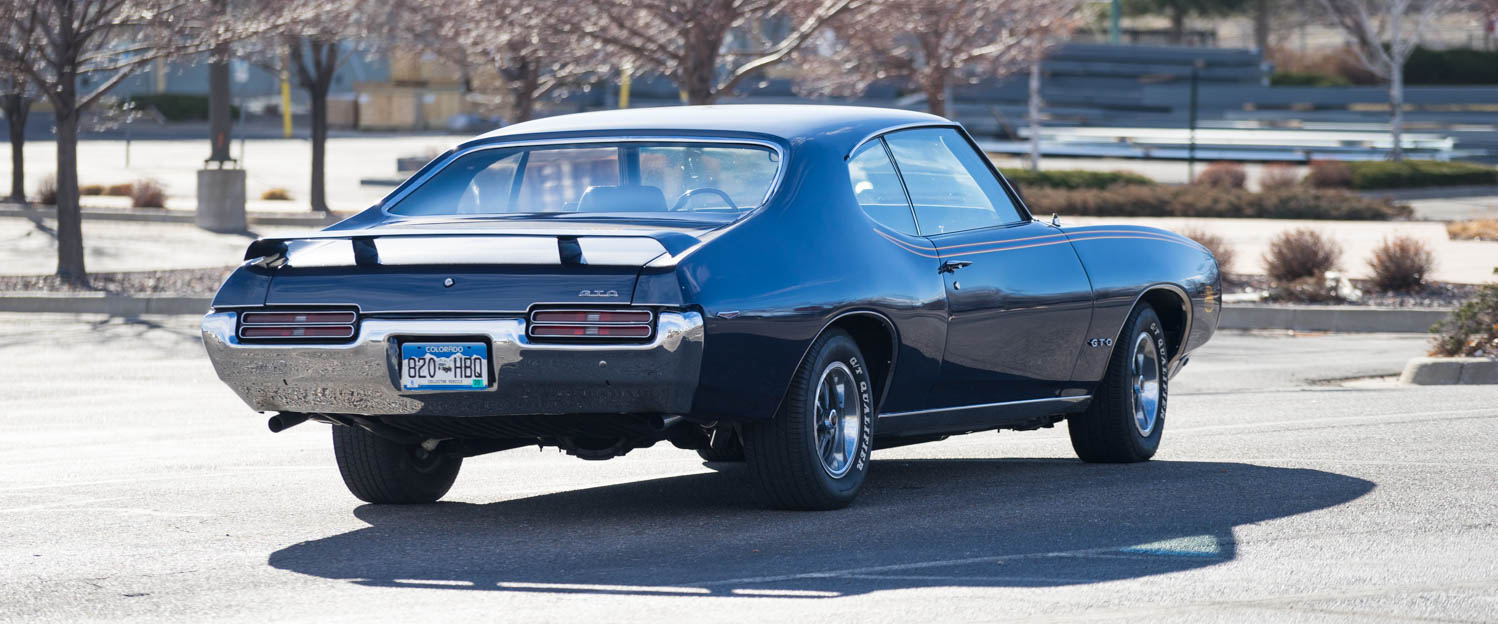 1969-Pontiac-GTO-Judge-Blue-slideshow-010.jpg