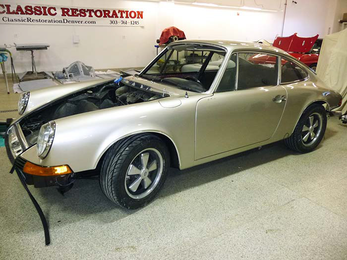 1969-Porsche-911S-Gold-slideshow-020.jpg