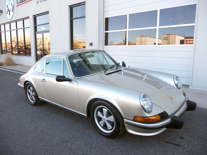 1969-Porsche-911S-Gold-slideshow-031.jpg