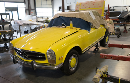 1970 Mercedes-Benz 280SL Yellow