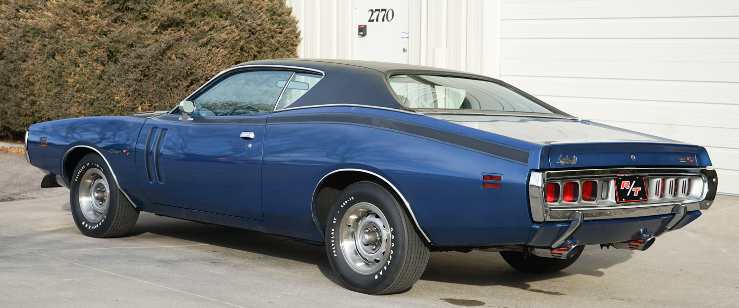 1971-Dodge-Charger-RT-Blue-slideshow-002.jpg