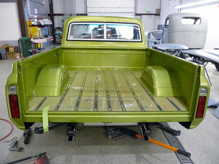 1972-Chevrolet-C10-Pickup-Green-slideshow-054.jpg