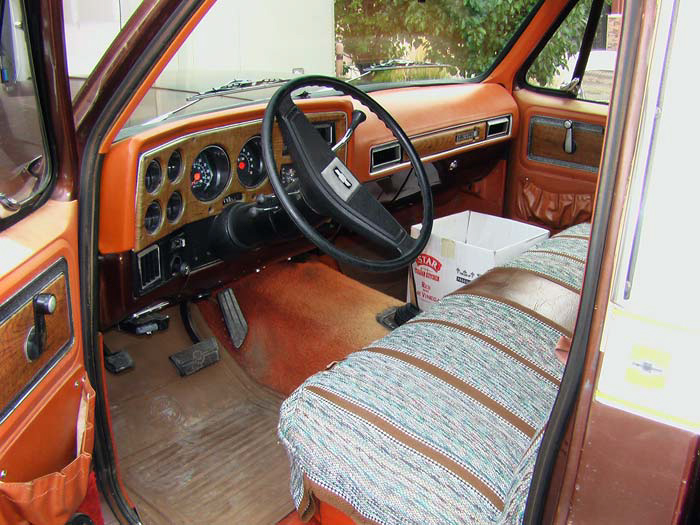 1977-Chevrolet-K10-Pickup-slideshow-002.jpg