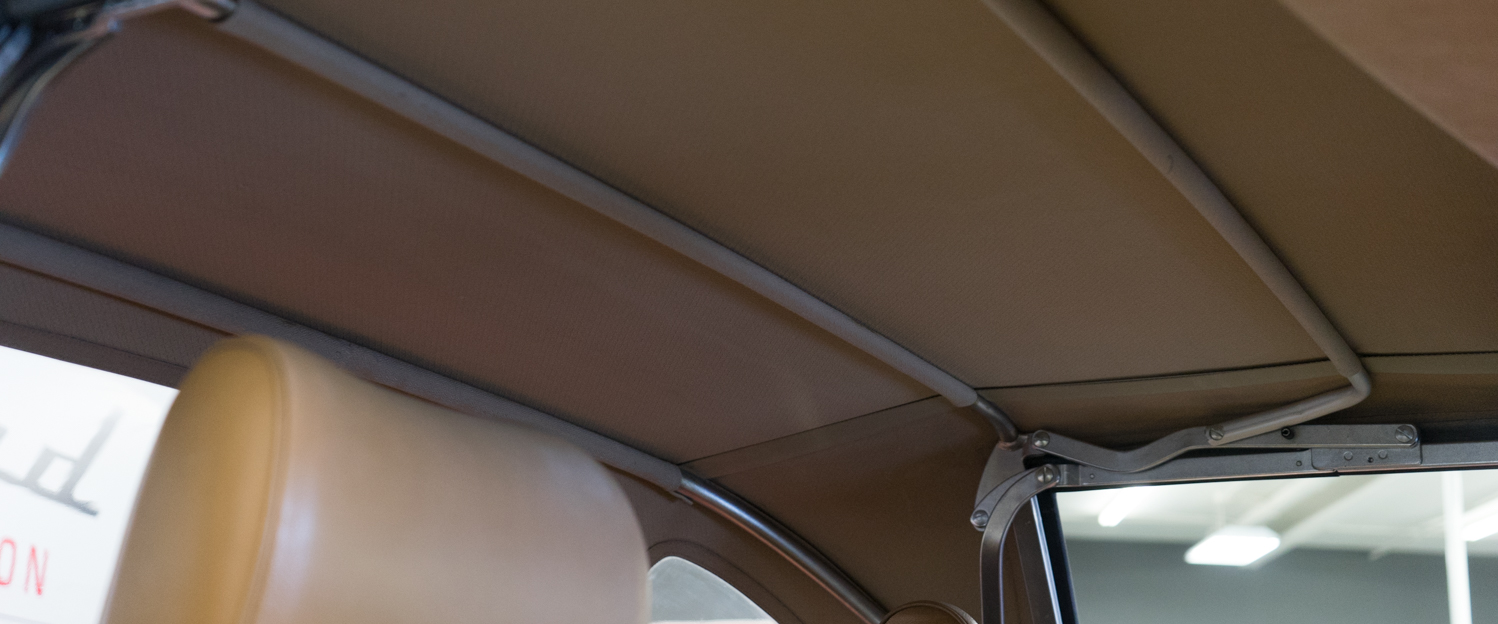 1986-Mercedes-Benz-560SL-RedBeige-slideshow-014.jpg