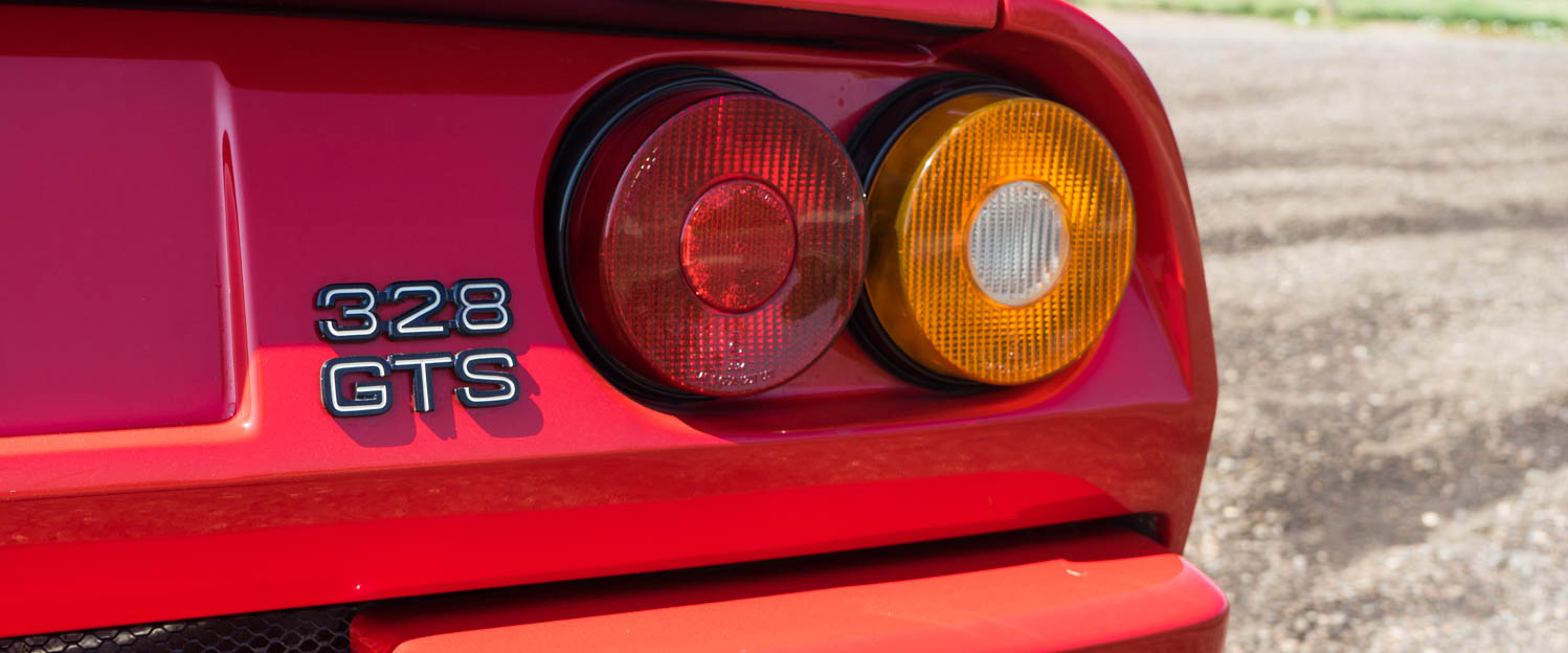 1989-Ferrari-328GTS-RED-slideshow-006.jpg