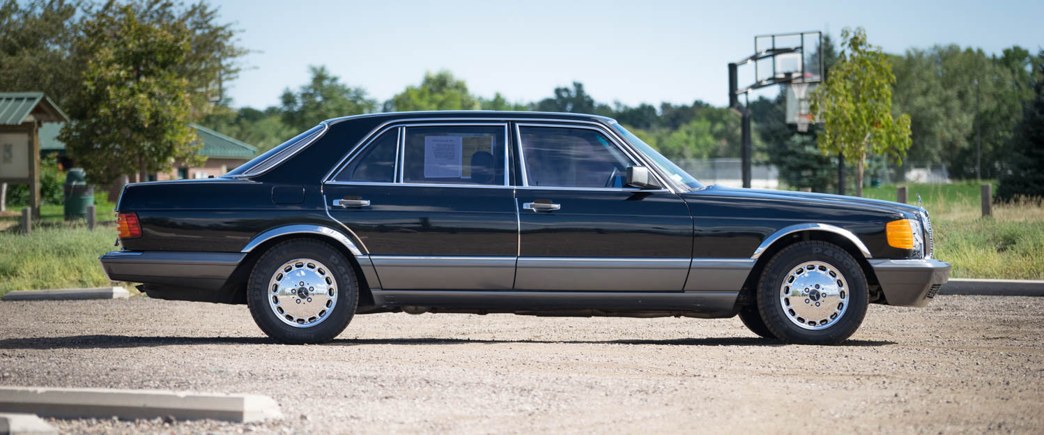 1989-Mercedes-Benz-560SEL-black-slideshow-006.jpg