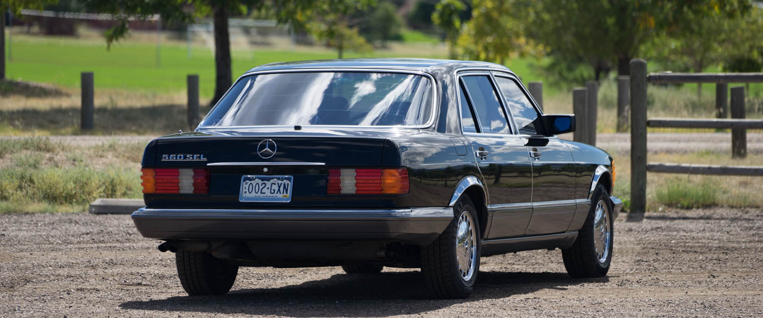1989-Mercedes-Benz-560SEL-black-slideshow-008.jpg