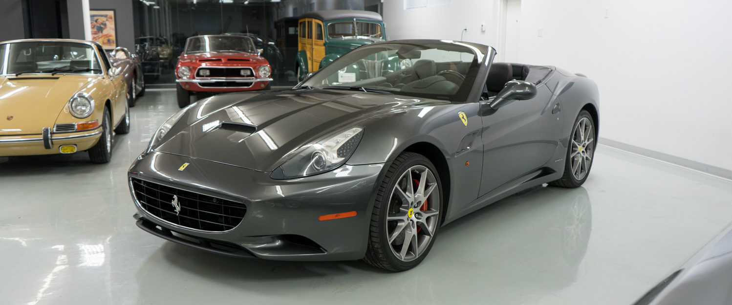 2010-Ferrari-California-Dark-Gray-slideshow-001.jpg